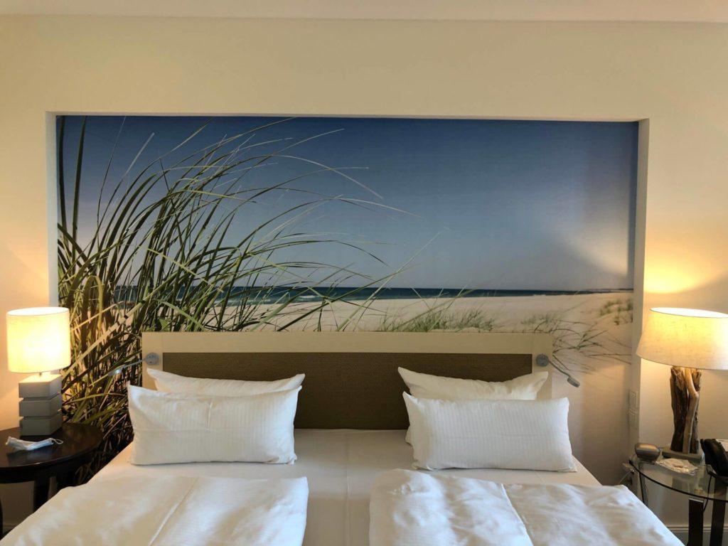 birgit-nora-schaefer-kuehlungsborn-hotelzimmer